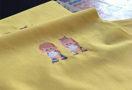 热转印烫画是怎样将图案印到衣服上的?